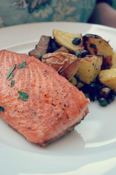 wild salmon with caramelized fennel and roasted potatoes