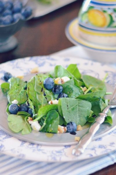 Blueberry Spinach Salad with Goats Cheese and Toasted Walnuts