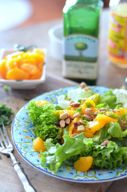 Mixed Greens with Mandarin Oranges, Candied Nuts and Parsley Vinaigrette// Karista's Kitchen