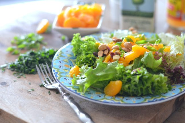 Mixed Greens with Mandarin Oranges, Candied Nuts and Parsley Vinaigrette // Karista's Kitchen