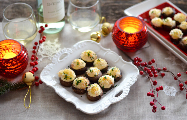 Crab Stuffed Mushrooms for Feast of the Seven Fishes // Karista's Kitchen and DaVinci Wine