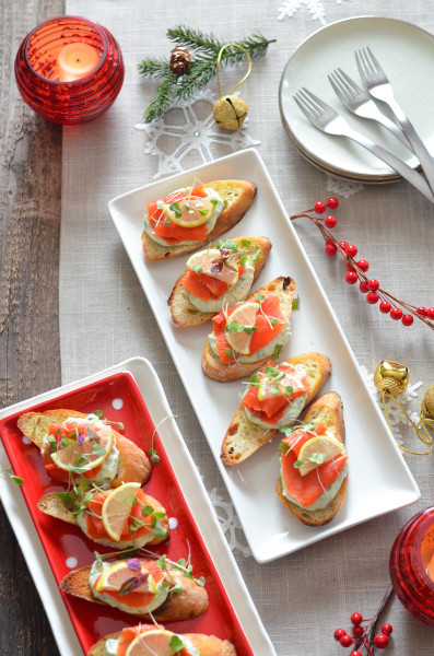 Smoked Salmon Crostini with Herbed Ricotta for Feast of the Seven Fishes // Karista's Kitchen and DaVinci Wine