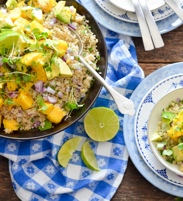 Mango Avocado and Quinoa Salad // So perfect for lunch, brunch or summer grilling // Karista's Kitchen