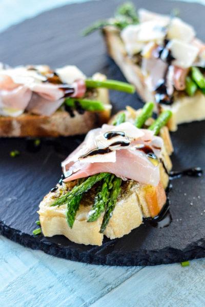 Asparagus, Prosciutto & Pesto Toasts