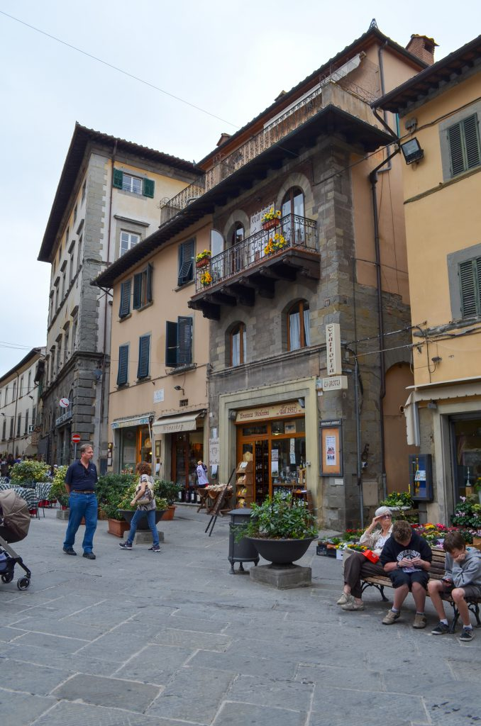 A piazza in Cortona, Italy for the Linguine with Cabbage, Wild Mushrooms and Shaved Truffle post.